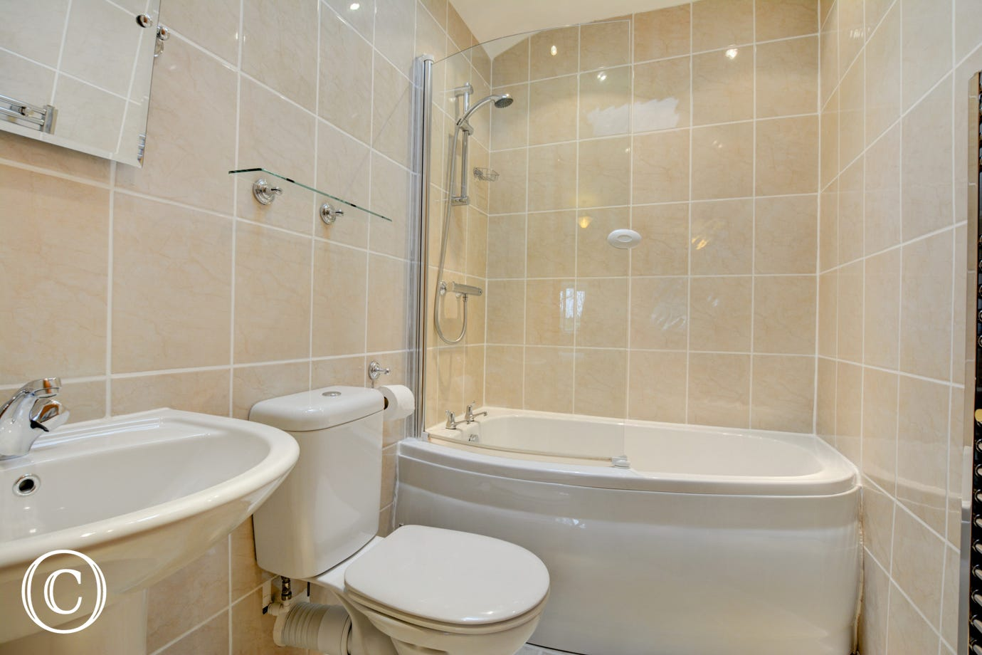 Bedroom 1 En suite Bathroom