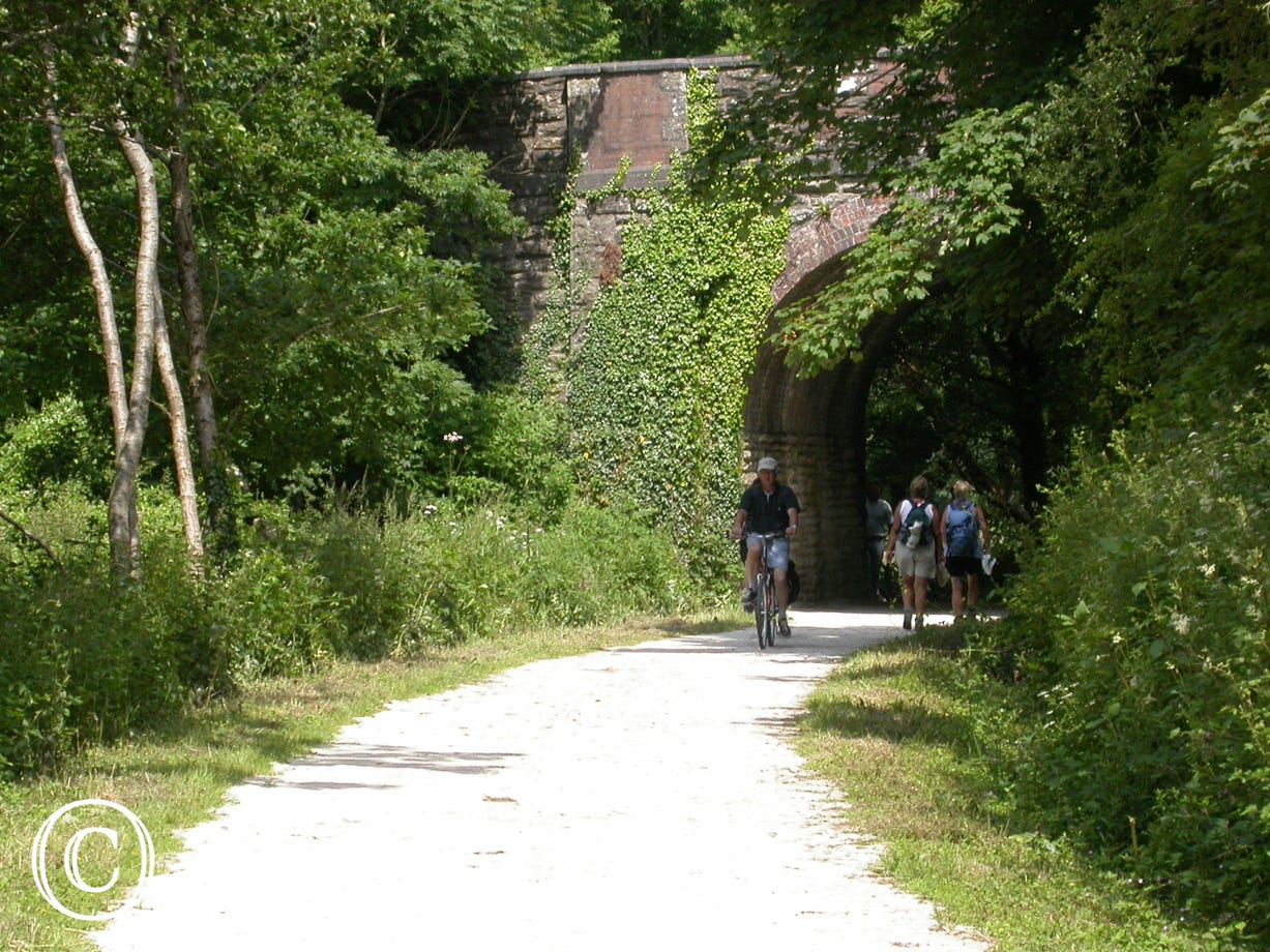 The Camel Trail, perfect for walking and cycling, is only a 5 minute walk