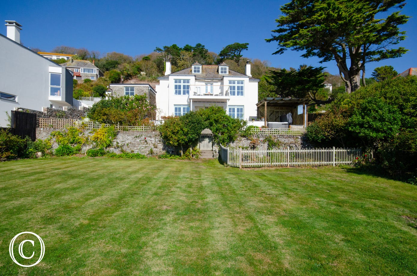 Oak Bee - detached seaside house with huge garden