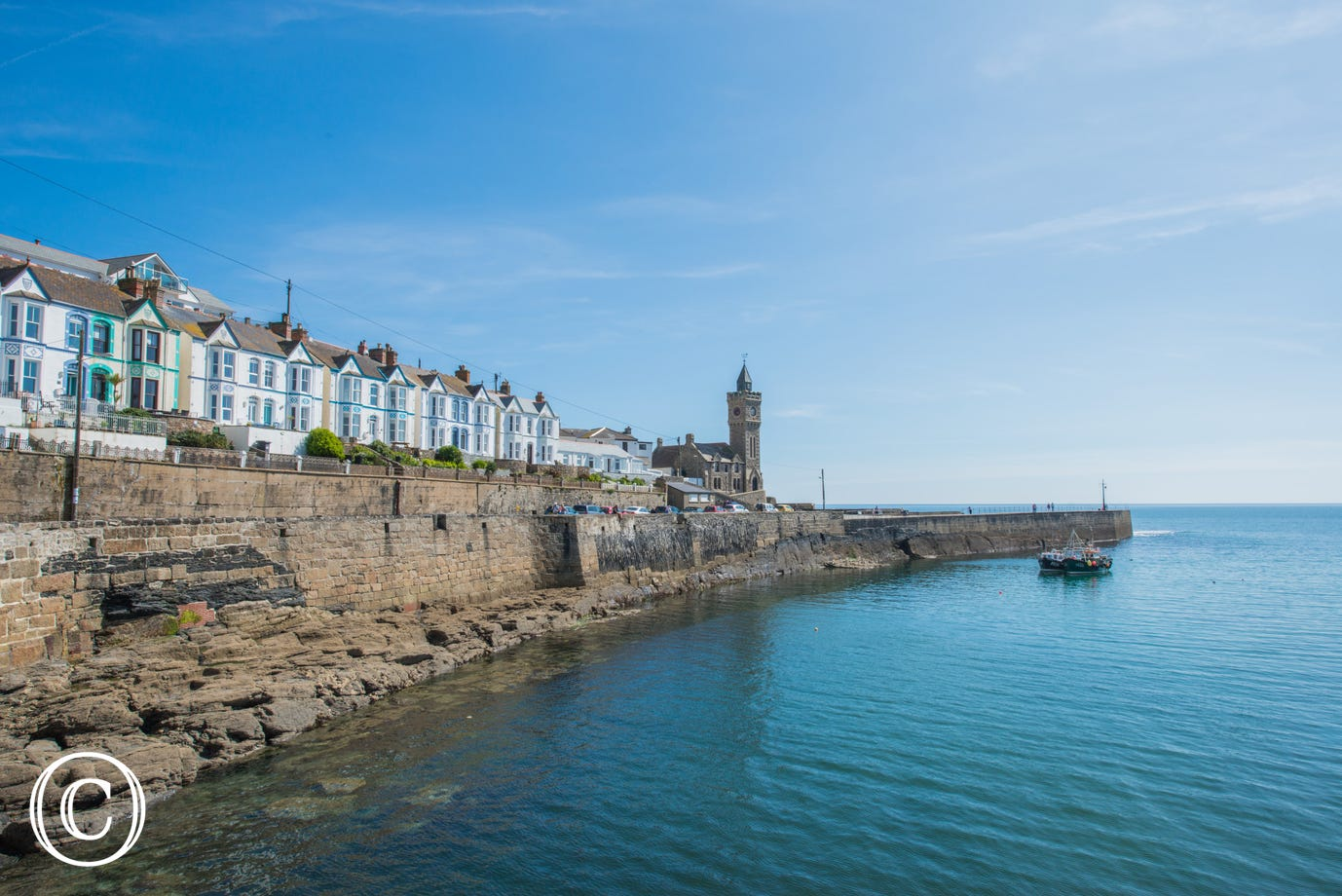 Only a 3 minute walk to Porthleven Harbour