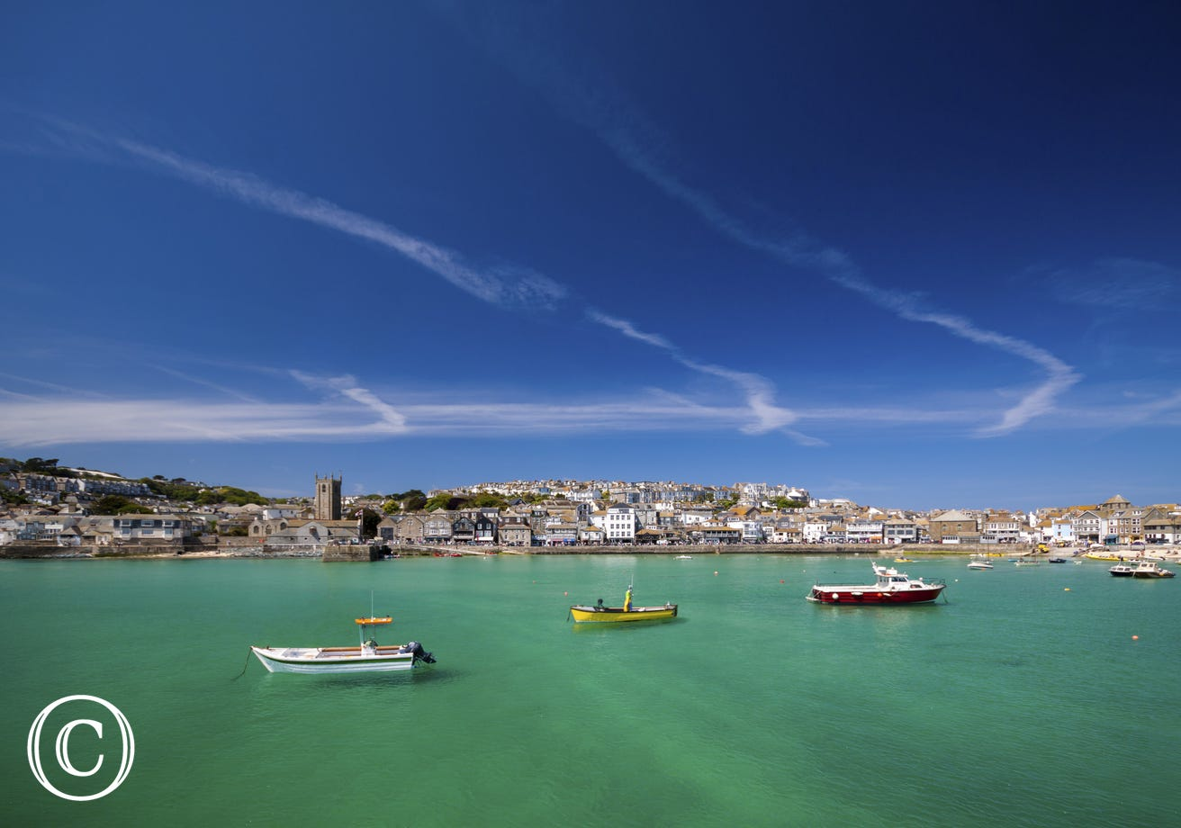 10 minute walk to St Ives' harbour