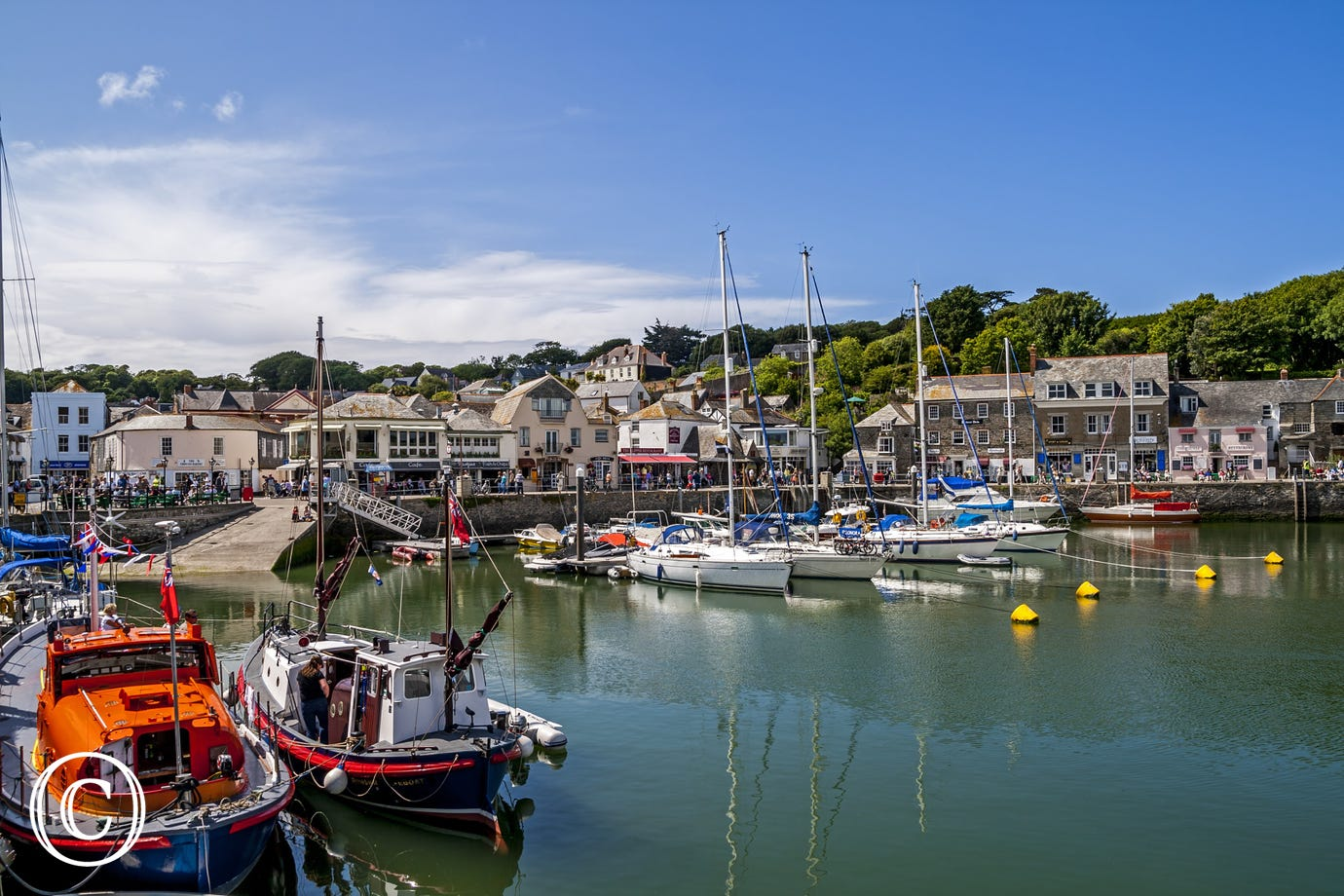Just 2 minutes' walk to Padstow harbour