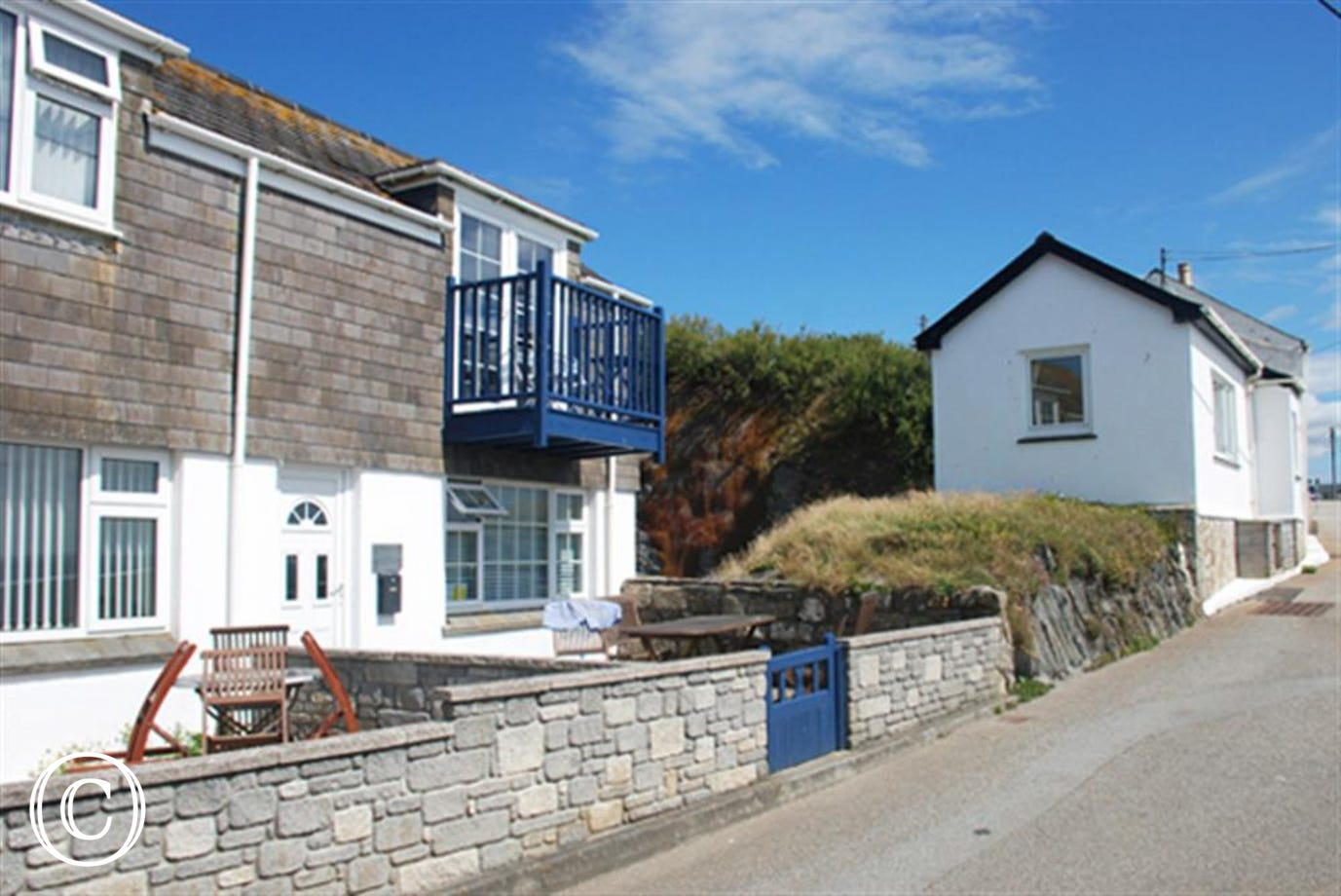 Cliff Top Cottage exterior