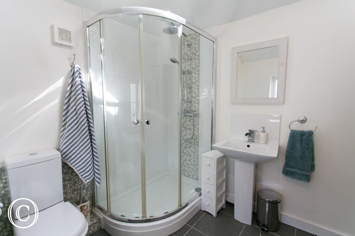 Shower cubicle in the Samphire Cottage bathroom