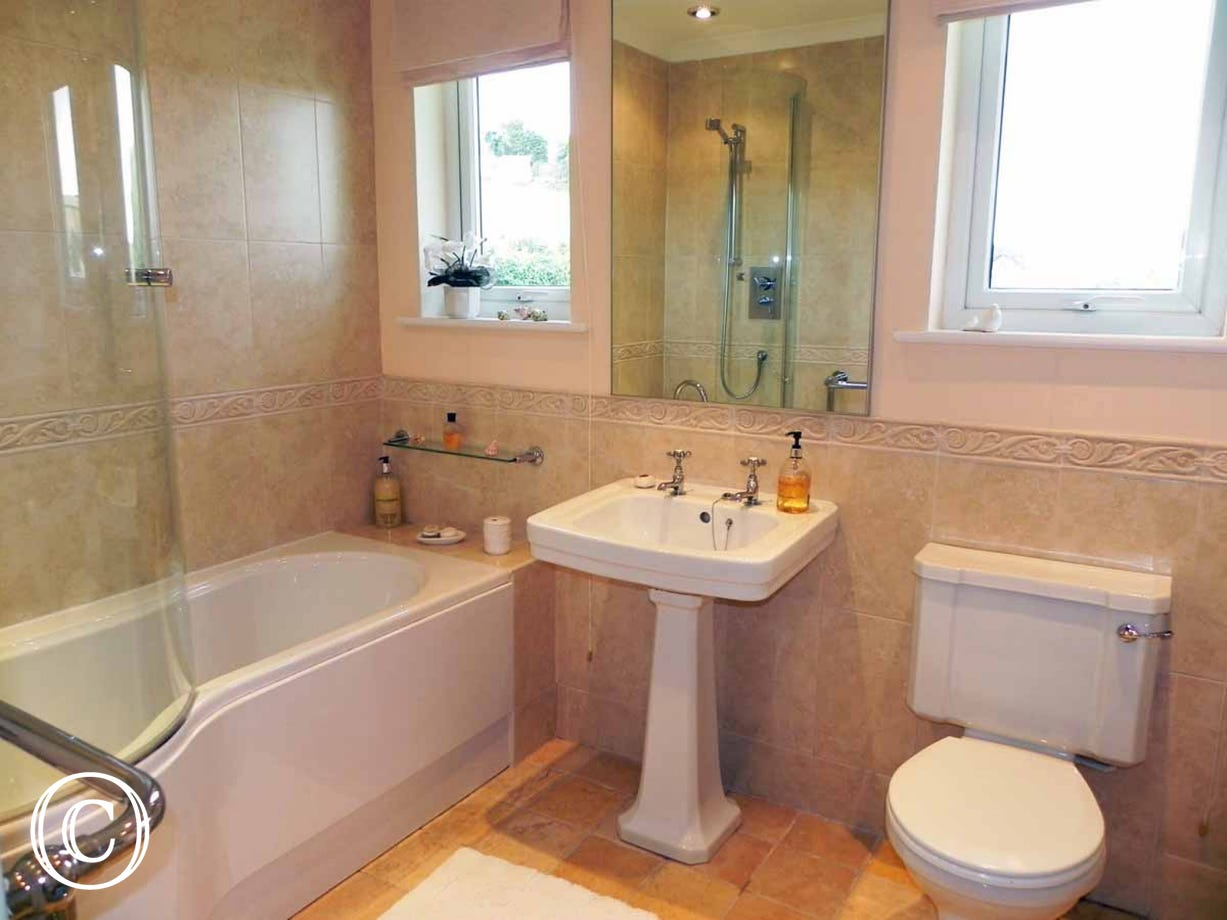 Windrush main bathroom