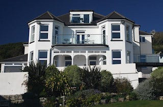 Lemain Garden Apartments in West Looe